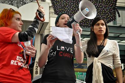 «Δικαιωματισμός». Καναδέζα trans μάνα απαιτεί να μην γραφτεί στο ληξιαρχείο το φύλο του παιδιού της - Εικόνα3