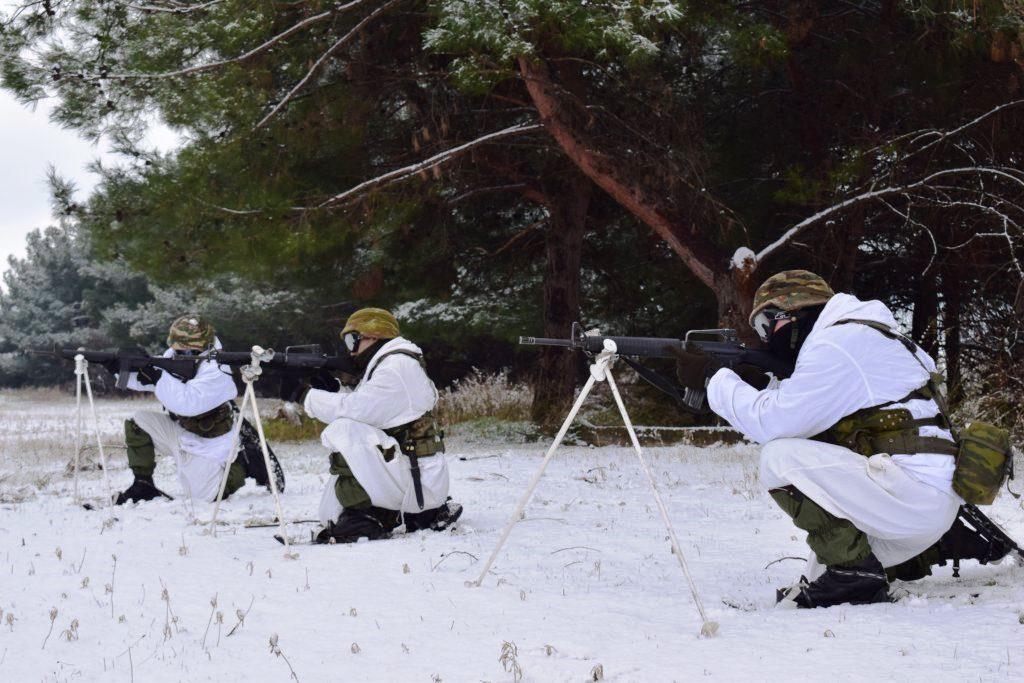 """""""Ρίξε κι άλλο χιόνι Θέε μου""""! Καταδρομείς εκπαιδεύονται μέσα στο χιονιά! ΦΩΤΟΓΡΑΦΙΕΣ - Εικόνα10"""