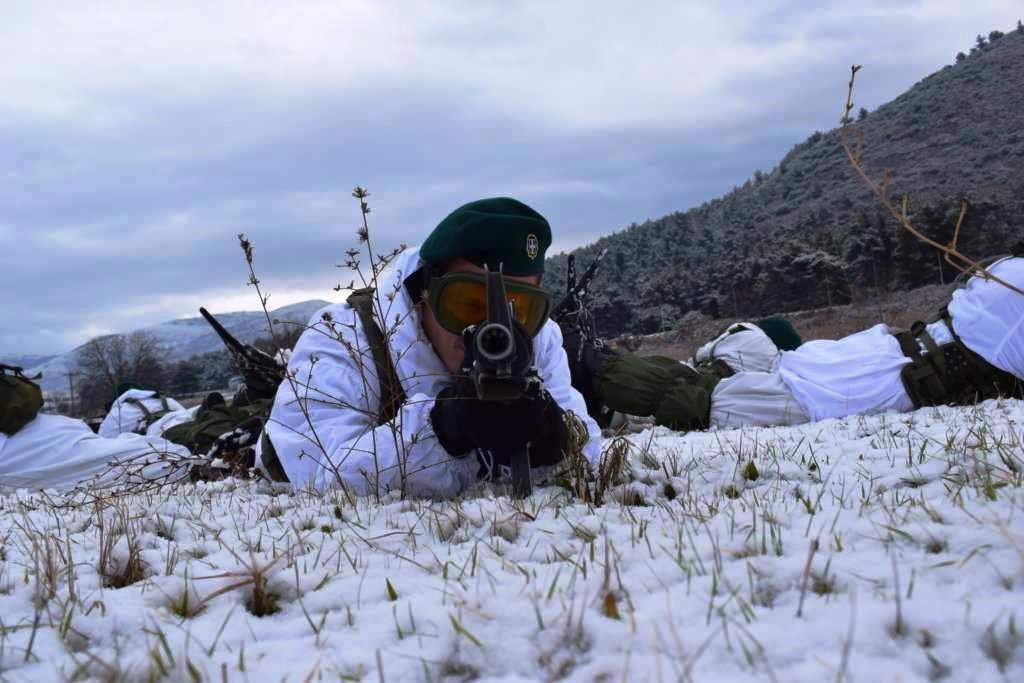 """""""Ρίξε κι άλλο χιόνι Θέε μου""""! Καταδρομείς εκπαιδεύονται μέσα στο χιονιά! ΦΩΤΟΓΡΑΦΙΕΣ - Εικόνα11"""