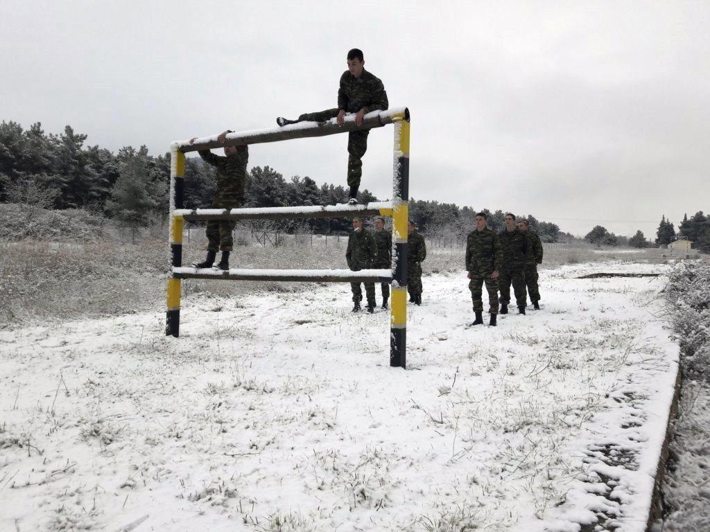 """""""Ρίξε κι άλλο χιόνι Θέε μου""""! Καταδρομείς εκπαιδεύονται μέσα στο χιονιά! ΦΩΤΟΓΡΑΦΙΕΣ - Εικόνα6"""