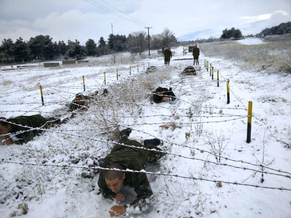 """""""Ρίξε κι άλλο χιόνι Θέε μου""""! Καταδρομείς εκπαιδεύονται μέσα στο χιονιά! ΦΩΤΟΓΡΑΦΙΕΣ - Εικόνα8"""