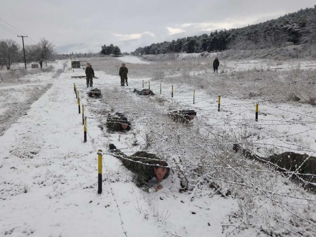 """""""Ρίξε κι άλλο χιόνι Θέε μου""""! Καταδρομείς εκπαιδεύονται μέσα στο χιονιά! ΦΩΤΟΓΡΑΦΙΕΣ - Εικόνα9"""