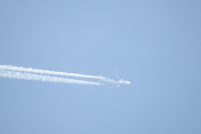 Αεροπλάνο (uav;) χωρίς παράθυρα ψεκάζει... - Εικόνα2