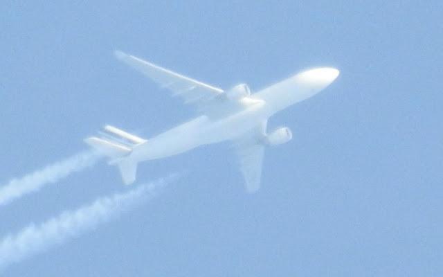 Αεροπλάνο (uav;) χωρίς παράθυρα ψεκάζει... - Εικόνα3