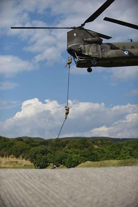 Αλβανοί στρατιώτες περνάνε τα Ελληνικά σύνορα… - Εικόνα1