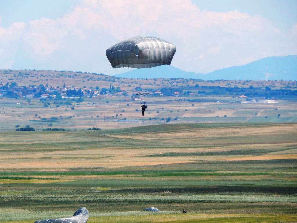 Αλβανοί στρατιώτες περνάνε τα Ελληνικά σύνορα… - Εικόνα8