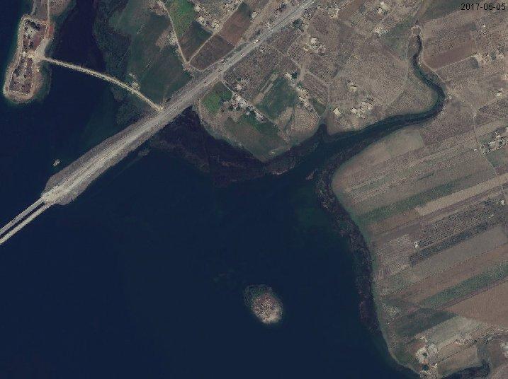 Το Αμερικανικό πυροβολικό στοχεύει Τούρκους: Επιστράτευση και επίθεση κατά των τουρκικών δυνάμεων σε Azaz- Jarablus ανακοίνωσαν οι Κούρδοι – «Στέρεψε» ο ποταμός Ευφράτης -Εικόνες - Εικόνα0