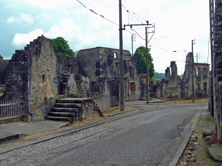 Ανατριχιαστικά «στοιχειωμένα χωριά» σε όλον τον κόσμο (εικόνες) - Εικόνα19