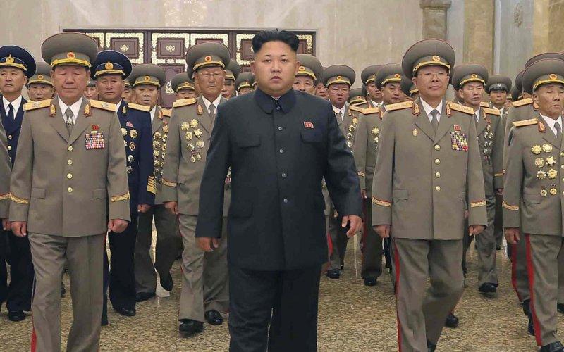 Ανθρωποκυνηγητό σε εξέλιξη στη Β.Κορέα – Navy seals διείσδυσαν στην χώρα – Η Πιονγιάνγκ ετοιμάζεται να πλήξει ΗΠΑ και Ν.Κορέα ως αντίποινα για την απόπειρα δολοφονίας του Κιμ Γιονγκ Ουν! - Εικόνα2