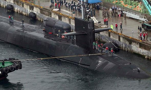 Ανθρωποκυνηγητό σε εξέλιξη στη Β.Κορέα – Navy seals διείσδυσαν στην χώρα – Η Πιονγιάνγκ ετοιμάζεται να πλήξει ΗΠΑ και Ν.Κορέα ως αντίποινα για την απόπειρα δολοφονίας του Κιμ Γιονγκ Ουν! - Εικόνα3
