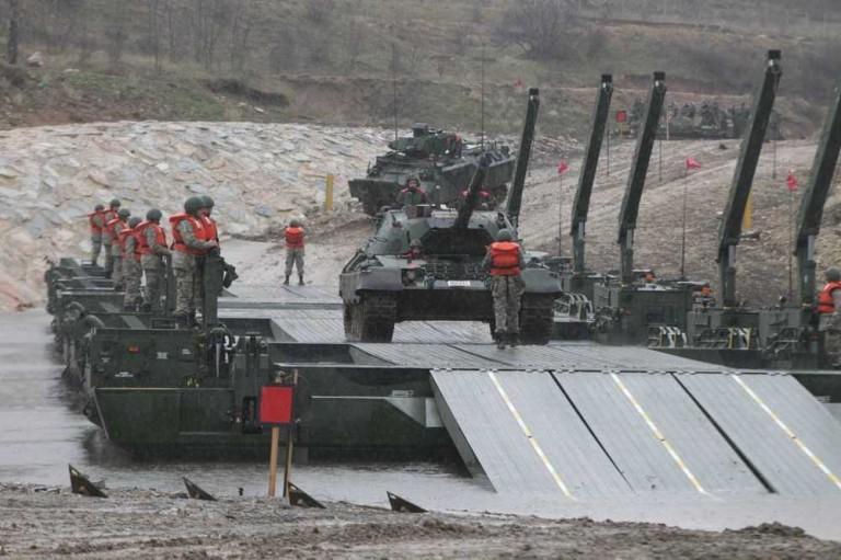 Η απάντηση του Ελληνικού Στρατού στην τουρκική άσκηση βίαιης διέλευσης του Έβρου: «Είμαστε έτοιμοι – Περιμένουμε στις όχθες να σας θερίσουμε»! - Εικόνα6