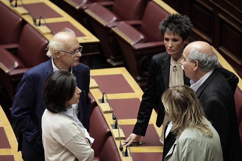 Υπό την απειλή κοινοβουλευτικής ήττας η κυβέρνηση για την αλλαγή φύλου από τα 15 - Εικόνα 2