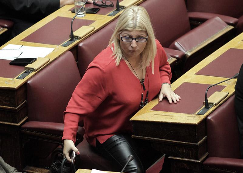 Υπό την απειλή κοινοβουλευτικής ήττας η κυβέρνηση για την αλλαγή φύλου από τα 15 - Εικόνα 3