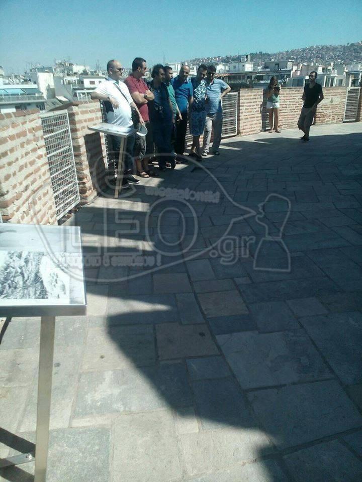 Απίστευτη πρόκληση: Τούρκοι προσπάθησαν να κατεβάσουν την ελληνική σημαία από το Λευκό Πύργο και να υψώσουν την τουρκική! (εικόνες) - Εικόνα1