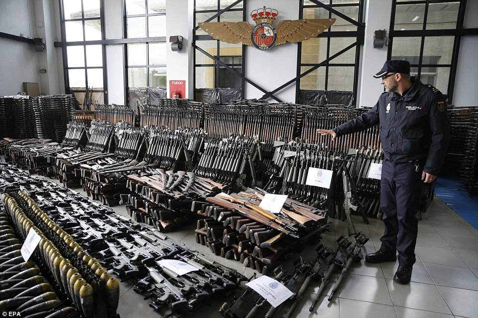 Aποφεύχτηκε το χάος μετά την ανακάλυψη και κατάσχεση όπλων στην Ισπανία,την ώρα που ο Τούρκος Υπουργός Εξωτερικών απειλεί με ιερό πόλεμο την Ευρώπη. - Εικόνα2
