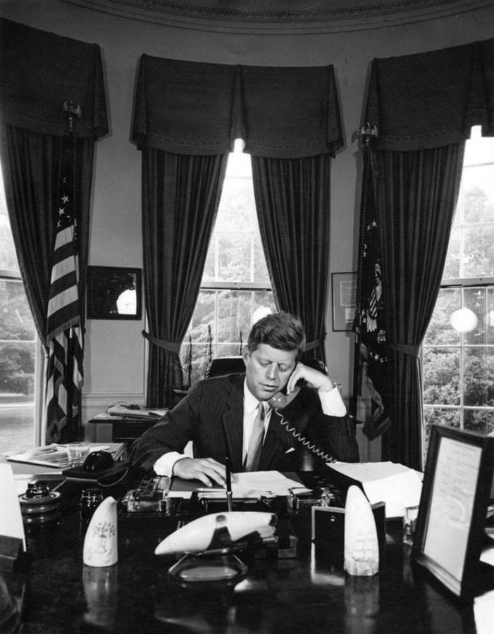 Απόρρητος φάκελος JFK: Τι είναι και γιατί «βολεύει» τον Τραμπ η δημοσιοποίησή του; - Εικόνα 4