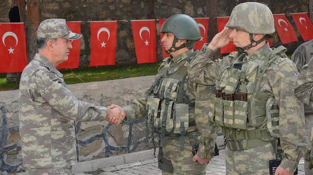 Σε άθλια κατάσταση οι τουρκικές δυνάμεις: Κόλλησαν στις λάσπες στο Αφρίν – Ακάρ και Ρ.Τ.Ερντογάν στο Κέντρο Επιχειρήσεων: Στέλνουν την αφρόκρεμα των ειδικών δυνάμεων - Εικόνα5