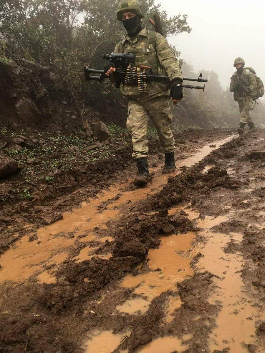 Σε άθλια κατάσταση οι τουρκικές δυνάμεις: Κόλλησαν στις λάσπες στο Αφρίν – Ακάρ και Ρ.Τ.Ερντογάν στο Κέντρο Επιχειρήσεων: Στέλνουν την αφρόκρεμα των ειδικών δυνάμεων - Εικόνα6
