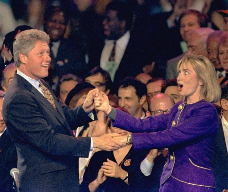 Daily Mail: Αυτό ήταν το τέλος της δυναστείας των Κλίντον – Όλα τα σκάνδαλα μιας «βρώμικης» οικογένειας - Εικόνα5