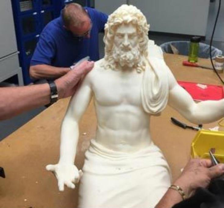 Ο Δίας επιστρέφει στον θρόνο του: Ξαναφτιάχνουν το Χρυσελεφάντινο Άγαλμα του Ολυμπίου Διός - Εικόνα0