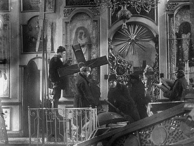 Η δολοφονική μανία των μπολσεβίκων κατά της Ορθόδοξης Εκκλησίας που με το κήρυγμά της στεκόταν εμπόδιο στα σχέδιά τους - Εικόνα2