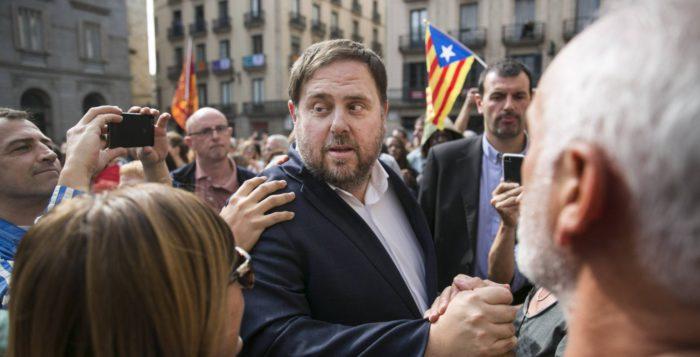 Δραματικές εξελίξεις: Πραξικόπημα σε εξέλιξη στην Καταλονία – Στρατό στέλνει ο Ραχόι με απειλές πολέμου – Ερχονται συλλήψεις των Καταλανών Ηγετών - Εικόνα0