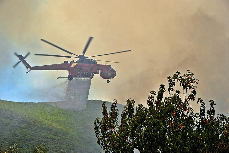Δραματική η κατάσταση στη Ζάκυνθο: Μάχη όλη τη νύχτα με τη φωτιά - Εικόνα 3