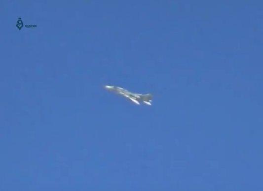 Εγραψε χρυσή σελίδα στη στρατιωτική ιστορία η Συρία: Πώς ο ήρωας πιλότος ενός σοβιετικού Su-22 αναμετρήθηκε με δύο F / A-18E Super Hornet του USN οδηγώντας την «Υπερδύναμη» σε νέο φιάσκο - Εικόνα1