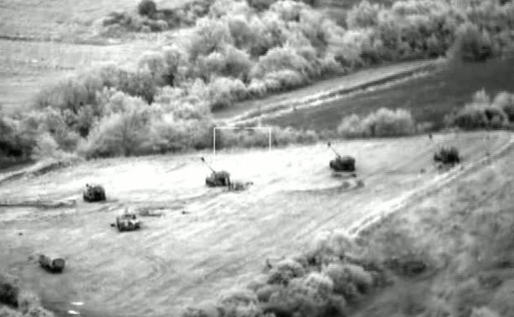 Εικόνες από τα μη επανδρωμένα αεροχήματα του Στρατού σε δράση! - Εικόνα4