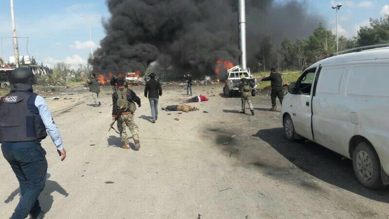 Εικόνες σοκ στη Συρία: Καμικάζι χτύπησε λεωφορεία με αμάχους - Εικόνα 3