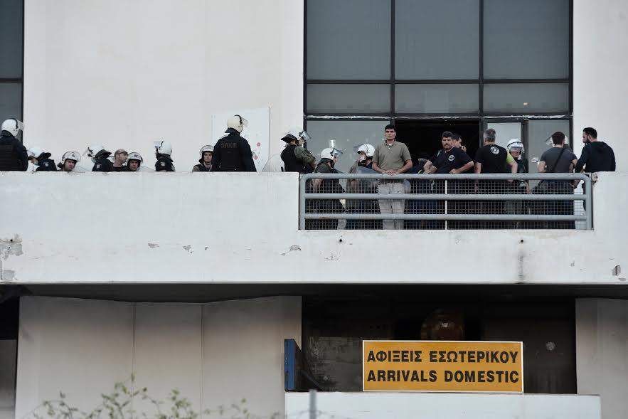 Εκκενώνουν το Ελληνικό από τους πρόσφυγες και τους μετανάστες - Εικόνα 2