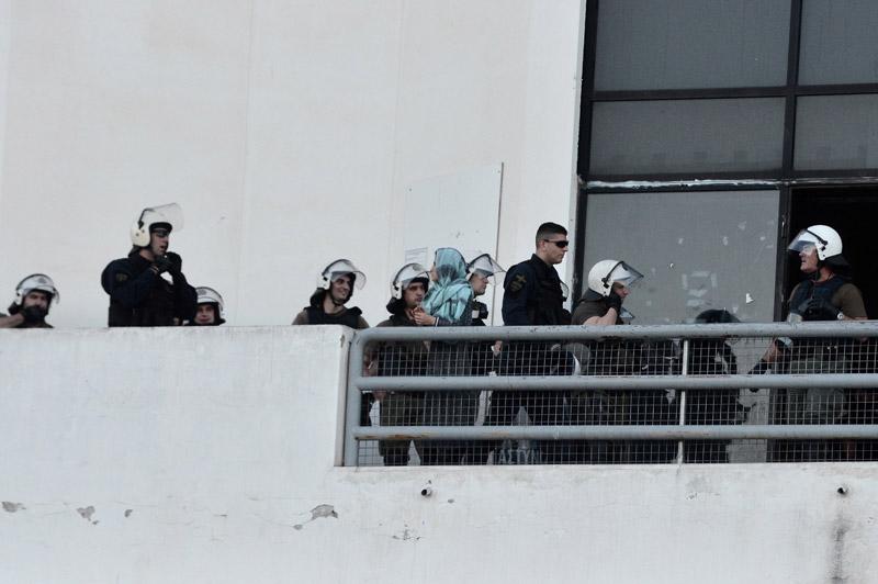 Εκκενώνουν το Ελληνικό από τους πρόσφυγες και τους μετανάστες - Εικόνα 3
