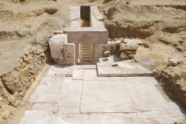 Εκπληκτικό: Ανακαλύφθηκε νέα πυραμίδα 3.700 ετών στο Κάιρο [εικόνες] - Εικόνα2