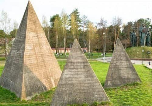 ΕΚΠΛΗΚΤΙΚΟ !!! Η Ρωσία Κατασκευάζει Πυραμίδες στην Επικράτειά της !!! Εμείς ΜΕΝΟΥΜΕ ΑΦΩΝΟΙ (video) - Εικόνα2