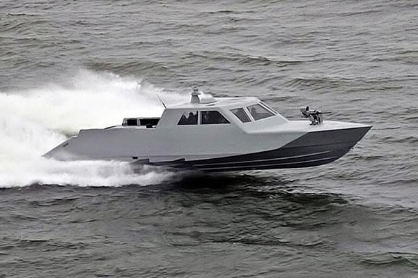 Τα ΟΥΚ εξοπλίζονται για ταχεία διείσδυση – Προμηθεύονται τα σκάφη ειδικών αποστολών MARK-V που χρησιμοποιούν οι Seals - Εικόνα1