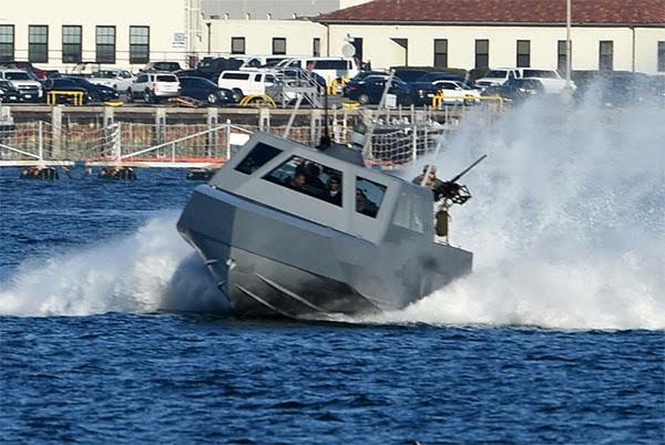Τα ΟΥΚ εξοπλίζονται για ταχεία διείσδυση – Προμηθεύονται τα σκάφη ειδικών αποστολών MARK-V που χρησιμοποιούν οι Seals - Εικόνα2
