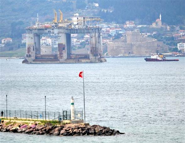 EKTAKTΗ ΕΙΔΗΣΗ – Κρίσιμες ώρες για την ειρήνη: Μετακίνηση πλατφόρμας πετρελαίου από τους Τούρκους- Διασχίζει τώρα το Αιγαίο – Δείτε Βίντεο και εικόνες - Εικόνα4
