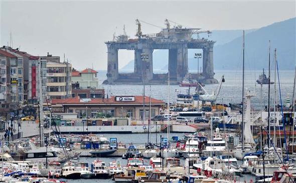 EKTAKTΗ ΕΙΔΗΣΗ – Κρίσιμες ώρες για την ειρήνη: Μετακίνηση πλατφόρμας πετρελαίου από τους Τούρκους- Διασχίζει τώρα το Αιγαίο – Δείτε Βίντεο και εικόνες - Εικόνα8