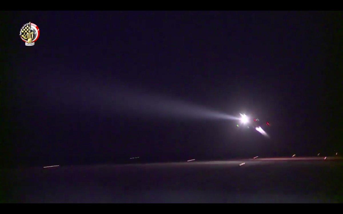 ΕΚΤΑΚΤΟ – Boμβαρδίζει ανηλεώς σε ολόκληρη την Λιβύη η Aίγυπτος ανοίγοντας δρόμο για τον εκλεκτό της Μόσχας – Στον αέρα F-16 Block 52 και Rafale με MICA EM – MICA IR μαζί με E-2C Hawkeye 2000 AEW - Εικόνα3