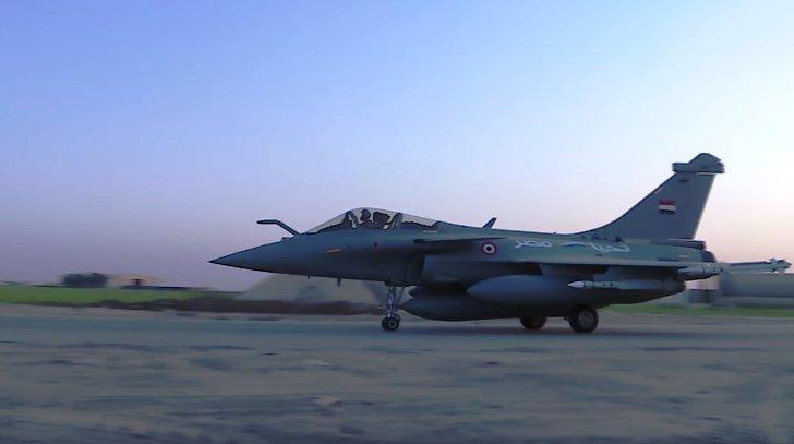 ΕΚΤΑΚΤΟ – Boμβαρδίζει ανηλεώς σε ολόκληρη την Λιβύη η Aίγυπτος ανοίγοντας δρόμο για τον εκλεκτό της Μόσχας – Στον αέρα F-16 Block 52 και Rafale με MICA EM – MICA IR μαζί με E-2C Hawkeye 2000 AEW - Εικόνα8
