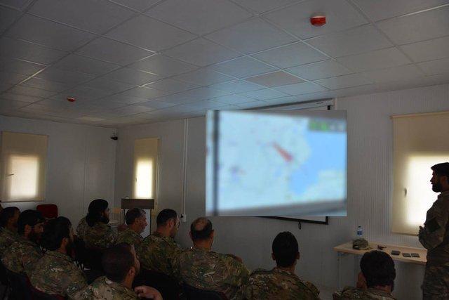 EKTAKTO – Eτοιμη η νέα δύναμη εισβολής του Ρ.Τ.Ερντογάν: 7.000 Τούρκοι στρατιώτες μαζί με FSA και τον ιδιωτικό στρατό SADAT μπαίνουν στην Συρία από τρία σημεία – Mετωπική με ΗΠΑ επέλεξε ο «Σουλτάνος» – Είναι αυτό το κύκνειο άσμα του; (εικόνες, βίντεο) - Εικόνα11