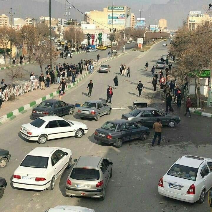 ΕΚΤΑΚΤΟ – Φλέγεται το Ιράν: Σείεται όλη η χώρα – Μάχες σώμα με σώμα – Μεταφέρονται S-300 – Αραβική Άνοιξη και εισβολή - Εικόνα8