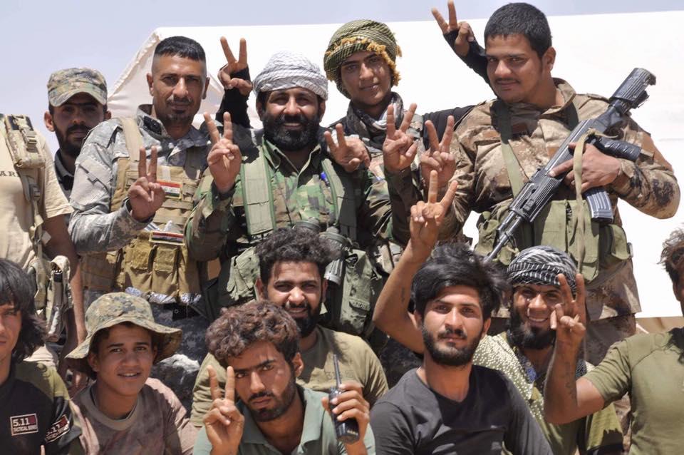 ΕΚΤΑΚΤΟ – Φωτιά και ατσάλι στα σύνορα Συρίας-Ιράκ-Ιορδανίας: Εισβολή βρετανικών-αμερικανικών δυνάμεων και μάχες σώμα με σώμα στο έδαφος με έπαθλο την Deir Ezzor – Aεροπορικές επιδρομές εναντίον του συριακού Στρατού (βίντεο) - Εικόνα14