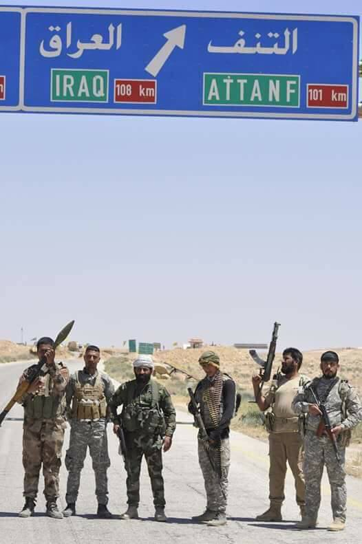 ΕΚΤΑΚΤΟ – Φωτιά και ατσάλι στα σύνορα Συρίας-Ιράκ-Ιορδανίας: Εισβολή βρετανικών-αμερικανικών δυνάμεων και μάχες σώμα με σώμα στο έδαφος με έπαθλο την Deir Ezzor – Aεροπορικές επιδρομές εναντίον του συριακού Στρατού (βίντεο) - Εικόνα8