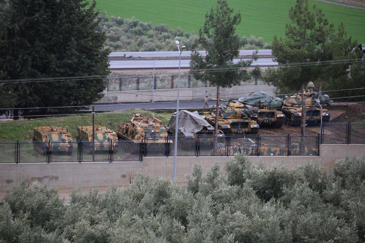 ΕΚΤΑΚΤΟ – Μιλάνε πλέον τα όπλα στην Αφρίν: Ανοιξαν πυρ και οι Αμερικανοί – «Θα τους κάψουμε ζωντανούς έναν-έναν – Θα μπούμε Τουρκία» λένε οι Κούρδοι - Εικόνα3