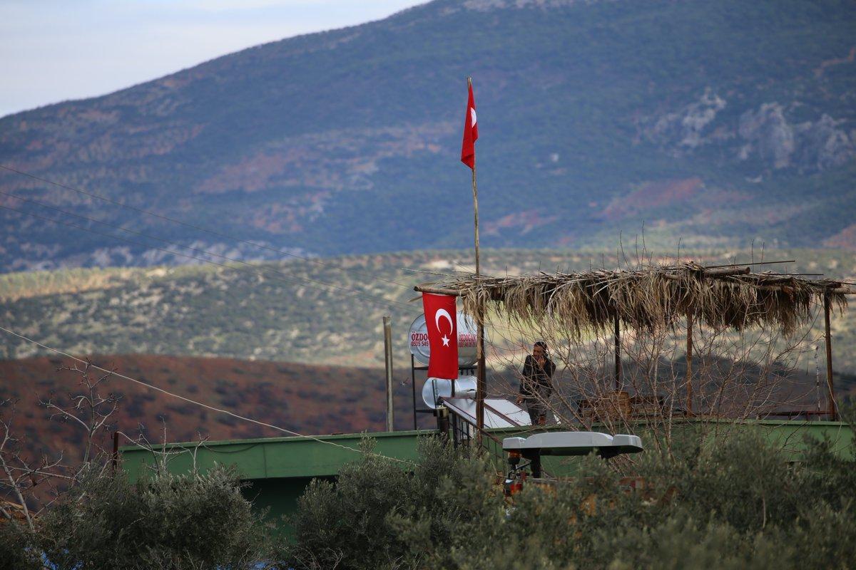 ΕΚΤΑΚΤΟ – Μιλάνε πλέον τα όπλα στην Αφρίν: Ανοιξαν πυρ και οι Αμερικανοί – «Θα τους κάψουμε ζωντανούς έναν-έναν – Θα μπούμε Τουρκία» λένε οι Κούρδοι - Εικόνα4
