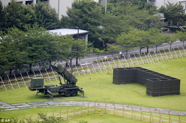 ΕΚΤΑΚΤΟ – Πρωτοφανείς εικόνες: Patriot PAC-3 αναπτύσσονται στη καρδιά του Τόκιο -Τρέχουν για καταφύγια οι Ιάπωνες – Κωδικός «πυρηνικός κεραυνός» από Β.Κορέα - Εικόνα2