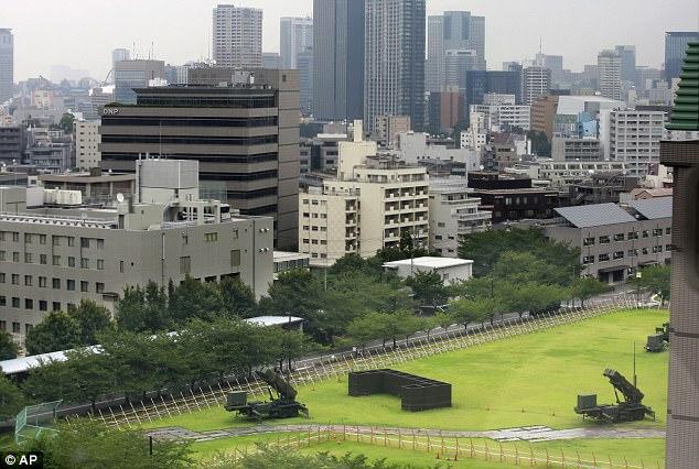 ΕΚΤΑΚΤΟ – Πρωτοφανείς εικόνες: Patriot PAC-3 αναπτύσσονται στη καρδιά του Τόκιο -Τρέχουν για καταφύγια οι Ιάπωνες – Κωδικός «πυρηνικός κεραυνός» από Β.Κορέα - Εικόνα4