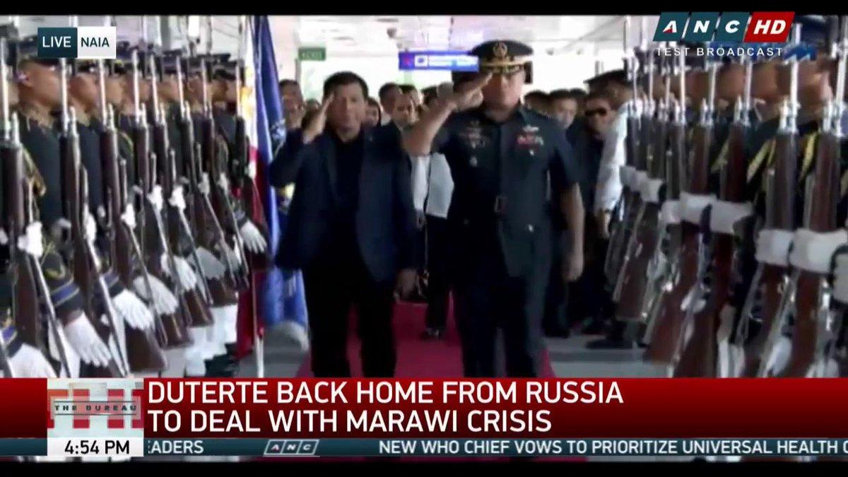 ΕΚΤΑΚΤΟ – Χαλέπι Νο 2 στις Ν.Φιλιππίνες – Εκλιπαρεί τον Β.Πούτιν για βοήθεια ο Ρ.Ντουτέρτε: «Δέχομαι εισβολή τζιχαντιστών από όλες τις χώρες του κόσμου» -Υψώθηκαν σημαίες του ISIS – Αγριες συγκρούσεις και αποκεφαλισμοί – Δείτε βίντεο - Εικόνα10