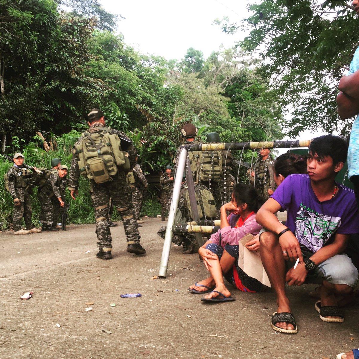 ΕΚΤΑΚΤΟ – Χαλέπι Νο 2 στις Ν.Φιλιππίνες – Εκλιπαρεί τον Β.Πούτιν για βοήθεια ο Ρ.Ντουτέρτε: «Δέχομαι εισβολή τζιχαντιστών από όλες τις χώρες του κόσμου» -Υψώθηκαν σημαίες του ISIS – Αγριες συγκρούσεις και αποκεφαλισμοί – Δείτε βίντεο - Εικόνα13